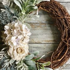 Spring wreath by TheBrighterSideCo, an Etsy shop.