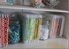 Organizing cloth by color~ fantastico.