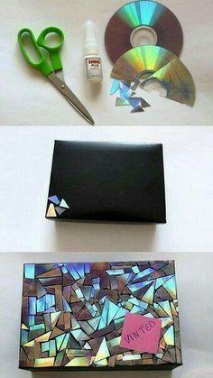 Decoração Caixa com pedaços de CD quebrado