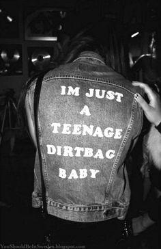 "Grunge inspo ""I'm Just a Teenage Dirtbag Baby"" Grunge Goth, Grunge Style, Mode Grunge, Grunge Teen, Hipster Grunge, Nu Goth, Grunge Outfits, Grunge Fashion, Look Fashion"
