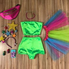 Edm Festival, Festival Looks, Festival Outfits, Diy Costumes, Halloween Costumes, Glow In Dark Party, Carnival Outfits, Hot Pants, Neon Party