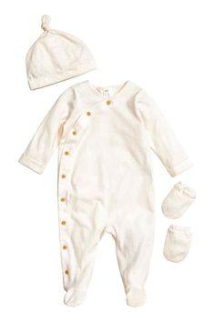 Conjunto de recém-nascido: EXCLUSIVO BEBÉ/CONSCIOUS. Conjunto de recém-nascido…