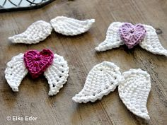 Crochet angel wings // crochet remnants of wool Pair of wings, angel wings in two sizes with heart – for Christmas, wedding, baptism, confirmatio Crochet Motifs, Crochet Borders, Crochet Stitches, Knit Crochet, Crochet Crafts, Crochet Projects, Knitting Patterns, Crochet Angel Pattern, Crochet Dolls