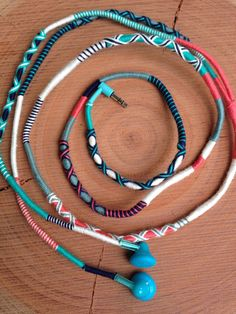 Excel and shine with these precious jewelry recommendations Hippie Jewelry, Diy Jewelry, Handmade Jewelry, Jewelry Making, Bracelet Crafts, Beaded Bracelets, Diy Headphones, Wrapped Headphones, Earphones Wrap