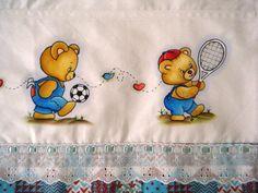 pintura em tecido fraldas filo frigo - Pesquisa Google Vintage Pictures, Winnie The Pooh, Hand Embroidery, Safari, Diy And Crafts, Stencils, Disney Characters, Fictional Characters, Snoopy
