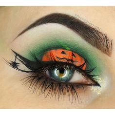 Halloween has come! Do you want your family and you to have the most meaningful Halloween? Come and check our best Halloween make-up ideas! Makeup Eye Looks, Eye Makeup Art, Cute Makeup, Eyeshadow Makeup, Amazing Halloween Makeup, Halloween Makeup Looks, Halloween Eyeshadow, Eye Makeup Designs, Makeup Trends