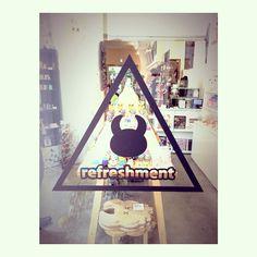 本日も UAMOU x REFRESHMENT TOY [MANY EYES EXPO] 7.25.(金) - 27.(日) STUDIO UAMOU様にて☆11:00-19:00 (スタジオ ウアモウ (STUDIO UAMOU)) #uamou #refreshmenttoy #sofubi #customtoy