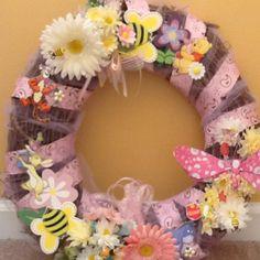 Girl Winnie the pooh wreath... ideas.. Ideas.. ideas.. :))