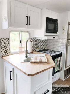 Wicked 75+ Incredible Vintage Travel Trailers Remodel Ideas http://goodsgn.com/rv-camper/75-incredible-vintage-travel-trailers-remodel-ideas/