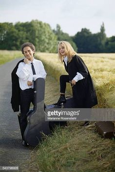 French singer and songwriter Michel Berger and his wife singer France Gall Michel Berger France Gall, Diane Dufresne, Love Photos, Couple Photos, Glamour, French, Images, Licence, Showgirls