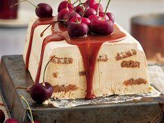 Karamelvrieskaskaaskoek Cheesecake Cookies, Mini Cheesecakes, Cake Recipes, Desserts, Food, Outdoor Chairs, Biscuits, African, Tailgate Desserts