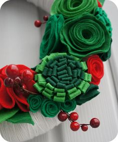 christmas wreath. only 14 days to make it happen! lol