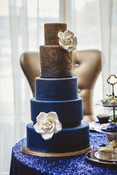 Flower Cake | Ten·2·Ten Photography | 5 Stylish Ideas for a Teacup Wedding | Kate Aspen