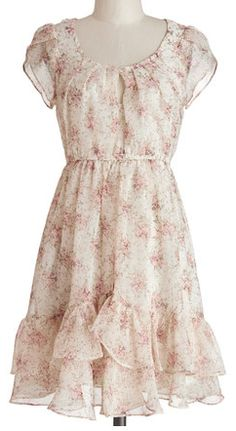 Flirty and floral dress in #beige http://rstyle.me/n/gu8urnyg6