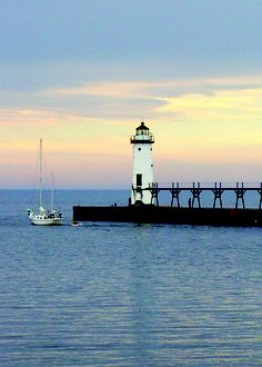 Manistee, MI. I recognize this pier and lighthouse....