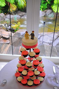Coral wedding cupcakes by Cupcake Passion