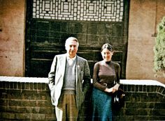 Roland Barthes and Julia Kristeva in front of the Great Goose Pagoda in Xian Julia Kristeva, Roland Barthes, Literary Criticism, Marcel Proust, Writers And Poets, Love Ya, Book Authors, Art History, Portraits