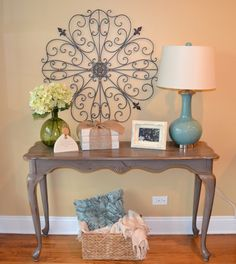 My Sisters Projects. com - Painted Sofa Table. Love The Book stack too !!