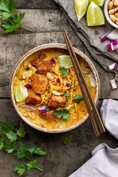 Tempeh is similar to tofu and great for adding protein and texture in dishes thanks to its meaty texture. Here's a delicious section of dishes you can make using tempeh. Tempeh Recipes Vegan, Vegan Soups, Vegetarian Recipes, Healthy Recipes, Coconut Curry Soup, Thai Coconut, Coconut Milk, Khao Soi, Vegan Recipes
