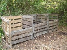 I need a new compost bin! Let's upgrade  Pallet compost bins