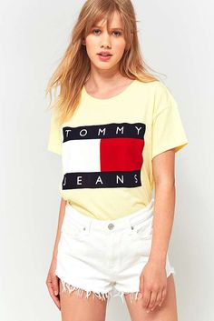 Slide View: 1: Tommy Hilfiger '90s Yellow Logo T-Shirt