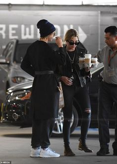 Cara Delevingne and her rumoured girlfriend Ashley Benson were spotted heading out for bre. Cara Delevingne, Celebrity Couples, Celebrity Style, Ashley Benson Style, Celebs, Celebrities, Pretty Little Liars, Aesthetic Pictures, Spring Outfits
