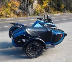 BMW R1200GSA with the Expedition Sidecar on the road to Mt. Rainier