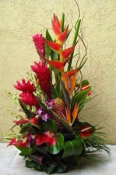 Tropical floral design – ginger, birds and tropical foilage Tropical Floral Arra… – Modern Tropical Flowers, Tropical Flower Arrangements, Church Flower Arrangements, Beautiful Flower Arrangements, Unique Flowers, Exotic Flowers, Beautiful Flowers, Altar Flowers, Church Flowers