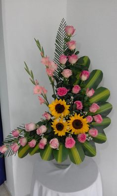 ~ Pin by Marie Mani on Modern flower arrangements Tropical Flower Arrangements, Creative Flower Arrangements, Flower Arrangement Designs, Funeral Flower Arrangements, Beautiful Flower Arrangements, Unique Flowers, Flower Centerpieces, Flower Decorations, Altar Decorations