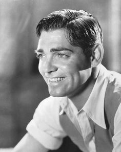 When was the last time you saw a Clark Gable movie? That man is awfully dreamy! There is something about his dark hair, loving eyes, and d. Hollywood Actor, Golden Age Of Hollywood, Vintage Hollywood, Classic Hollywood, Clark Gable, Classic Movie Stars, Classic Movies, Moustaches, Carole Lombard