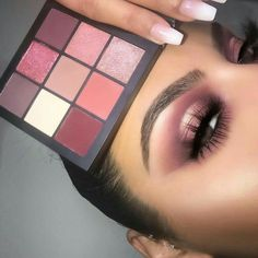 Huda Beauty Obsessions Eyeshadow Palette (Color: Mauve) ($27.00) https://www.sephora.com/product/obsessions-eyeshadow-palette-P425909?skuId=2002046&icid2=products%20grid:p425909