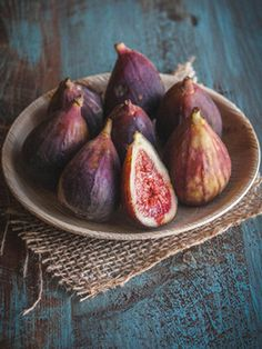 Vegan Cooking for Beginners Fresh Figs, Fresh Fruit, Fruit And Veg, Fruits And Veggies, Fig Fruit, Vegetables, Food Styling, Tarte Vegan, Fig Tart