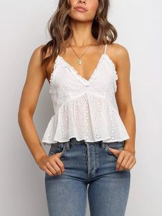 White Hollow Design V-neck Sleeveless Cami Cute White Tops, Cute Tank Tops, Cute Summer Outfits, Cute Casual Outfits, White Top Outfit Summer, Cute Summer Tops, Summer Tank Tops, Plus Size Cami Tops, Tank Top Outfits