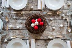 Le decorazioni natalizie da utilizzare per addobbare la tavola