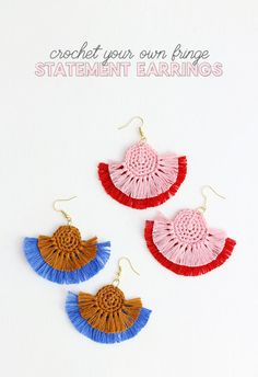 crochet earrings – colorful statement earrings are easy to make with this free c…Want some new colorful statement earrings? Why not DIY? You can make these awesome crochet earrings easily at home with this free crochet pattern. Crochet Fringe, Love Crochet, Crochet Flowers, Thread Crochet, Crochet Earrings Pattern, Crochet Jewelry Patterns, Diy Crochet Jewelry, Diy Crochet Gifts, Diy Crochet Accessories