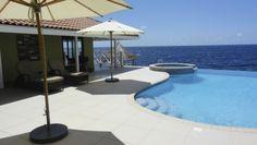 Villa Sea Paradise Curaçao ligt op een top locatie aan de Jan Thielbaai op Curaçao. Villa Sea Paradise ligt aan de kustlijn op een hoogte van 2 meter boven de zeespiegel. U viert vakantie bi...