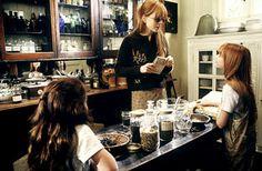 When Fashion Met Film: The Inspiration: Nicole Kidman in Practical Magic Nicole Kidman, Magic Tumblr, Warlock Class, Practical Magic Movie, Magic Sets, Magic House, Steampunk House, Cabin In The Woods, Witch Aesthetic