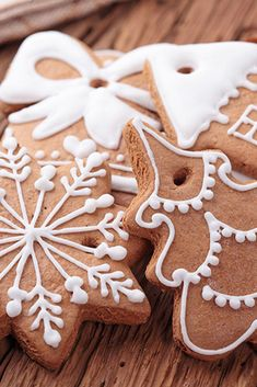 The Perfect Sugar Cookie Icing Recipe Icing For Gingerbread Cookies, Sugar Cookie Frosting, Sugar Cookies, Christmas Desserts, Christmas Treats, Christmas Baking, Christmas Cookies, Chocolate Biscuits, Easter Chocolate