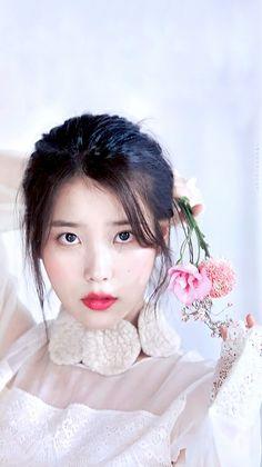 IU #ELLE #wallpaper Korean Actresses, Korean Actors, Kpop Girl Groups, Kpop Girls, Korean Beauty, Asian Beauty, Korean Girl, Asian Girl, Iu Hair