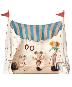 Maileg circus tent with 3 circus characters