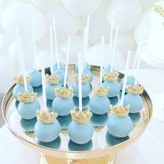 Cinderella Cake Pops | #dessertinc_