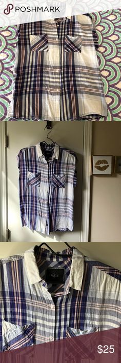 Rails Top Cute pink and purple Rails top. Perfect with jeans or shorts for a cute summer look. Great condition just needs to be steamed. Size Small. Smoke free home. No trades. Thanks for looking! Rails Tops Button Down Shirts