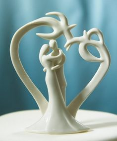 My fiancee would love this cake topper, its like deer antlers!
