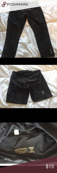 NWOT Reebok Highwaisted Yoga Capri Pants NWOT Reebok Highwaisted Yoga Capri Pants Reebok Pants Capris