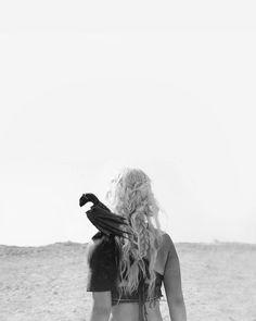 freeing slaves, offing bad guys, taming dragons... this girl rocks.