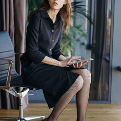 Ця сукня👗 - одна з улюблених у the MO'St beautiful girl! І не дивно - вона зваблива та стримана одночасно. Залишився тільки один розмір XS для MO'S-Дюймовочки! Ціна зі знижкою - 1295 грн. Мерщій замовляйте примірку! Office Style, Office Fashion, Office Attire, Office Looks