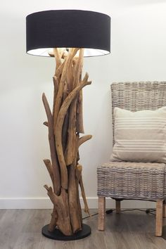 38 The Natural Touch Decoration of Tree Branch Lights Driftwood Lamp, Driftwood Sculpture, Root Table, Unusual Furniture, Green Woodworking, Cool Lamps, Reclaimed Wood Furniture, Home Decor Kitchen, Lampshades