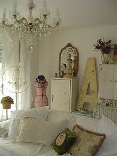 5 Friendly Tips AND Tricks: Shabby Chic Office Ideas country shabby chic bathroom.Shabby Chic Dining Old Windows shabby chic colors. Casas Shabby Chic, Shabby Chic Mode, Vintage Shabby Chic, Shabby Chic Style, Vintage Decor, Vintage Room, Vintage Dress, Cottage Chic, Shabby Cottage