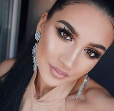 """52 Likes, 1 Comments - Morphe Brushes (@morphebrushes) on Instagram: """"Brown Eyed Girl @itsmesanja looking sweet and sultry in this look created with the beloved 35O…"""""""