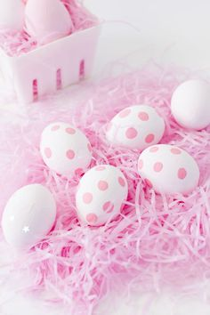 Sensational Easter Egg Decorating Ideas - Life Is Fun Silo Easter Arts And Crafts, Crafts For Kids, Hoppy Easter, Easter Eggs, Diy Craft Projects, Ostern Wallpaper, Diy Ostern, Diy Pumpkin, Easter Party